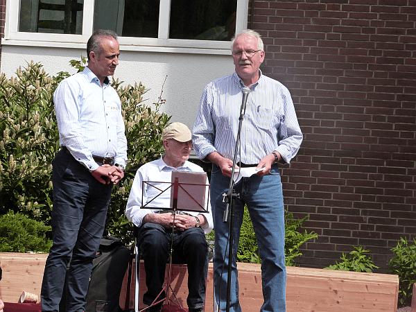 Auch Bürgermeister Günther Hildebrand hielt eine Begrüßungsansprache. Ein Dolmetscher sorgte für die arabische Übersetzung.