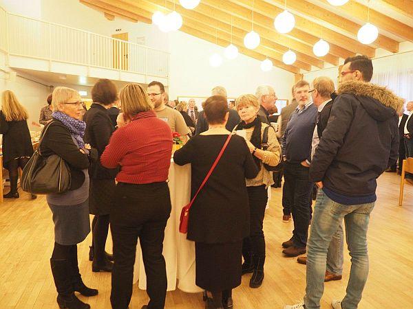 ELLERBEK HILFT war mit einem guten Dutzend Helfern und Geflüchteten beim Neujahrsempfang vertreten