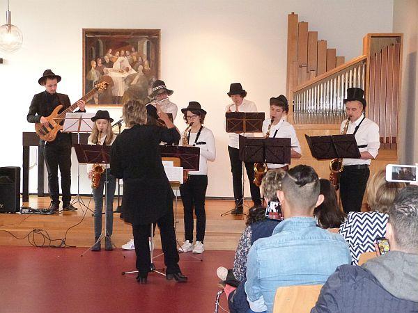 Sie spielen erst ein Jahr zusammen und liefern doch eine Top-Performance: die Sounds of Nuggets unter der Leitung von Ruth Bednarski-Köller